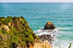 Formación de roca en la playa en Portimao, Portugal Región de Algarve foto de archivo