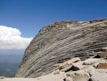 Formación de roca en rastro al puesto de observación 1 de Shuteye Imagenes de archivo