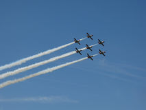Formación del aeroplano en el cielo Foto de archivo