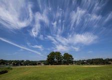 Formación inusual de la nube en cielo azul imágenes de archivo libres de regalías