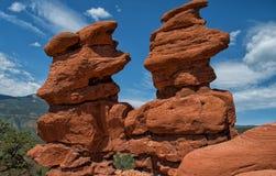 Formación de roca de los gemelos siameses Imágenes de archivo libres de regalías