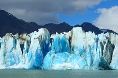 Formaciones de hielo coloridas Fotografía de archivo libre de regalías