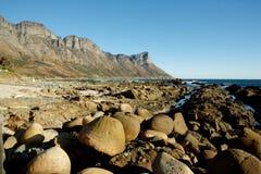 Formaciones de roca costeras Imagen de archivo libre de regalías