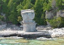 Formaciones de roca en la costa, isla de la maceta Imágenes de archivo libres de regalías