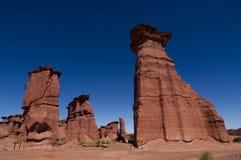 Formaciones de roca rojas en el parque nacional de Talampaya fotos de archivo libres de regalías