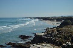 Formaciones geológicas en la orilla de la playa de las catedrales en Ribadeo 1 DE AGOSTO DE 2015 Geología, paisajes, viaje, fotografía de archivo