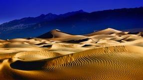 Formaciones hermosas de la duna de arena en Death Valley Fotografía de archivo
