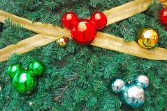 Formade prydnader för Mickey mus som Chistmas Decorati arkivfoto