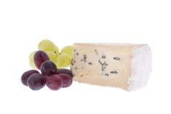 Formaggio blu con l'uva fotografie stock