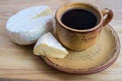 Formaggio del camembert e del caffè Immagine Stock