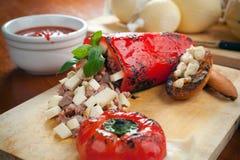 Formaggio del provolone e peperone dolce farcito Fotografia Stock Libera da Diritti