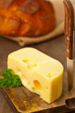 Formaggio dell'edam con pane Fotografia Stock