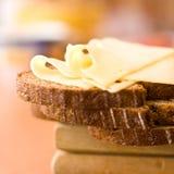Formaggio dell'edam e del pane Fotografie Stock