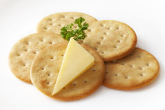 Formaggio e cracker Fotografia Stock Libera da Diritti