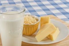 Formaggio e latte Immagini Stock Libere da Diritti