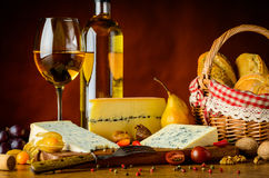 Formaggio e vino tipo gorgonzola Immagine Stock Libera da Diritti