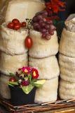 Formaggio, pomodori ed uva Fotografie Stock Libere da Diritti