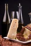 Formaggio, vino e salsiccie Fotografia Stock Libera da Diritti