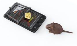 Formaggio virtuale smartphone come la trappola per topi e topo Fotografia Stock