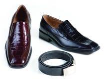 Formale lederne Schuhe und Gurt Stockfoto