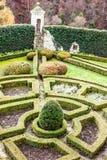 formaler Garten im Schloss Pieskowa Skala  Lizenzfreies Stockbild