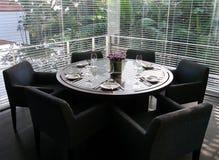 formalne przelecieć luksusowy pokój ustawienie tabeli obrazy stock
