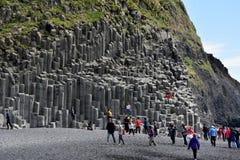 Formação de rocha de Reynisdrangar em Vik mim Myrdal Foto de Stock Royalty Free