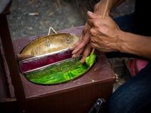 Formas de arte feitos a mão das várias formas dos doces de Tailândia antiga Doces da arte moldar de mãos do açúcar com substância imagem de stock royalty free