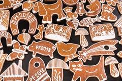 Formas de la Navidad y del Año Nuevo de los panes de jengibre de la Navidad Imagenes de archivo
