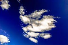 Formas de nubes en el cielo Imagenes de archivo