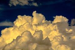 Formas de nubes en el cielo Fotografía de archivo