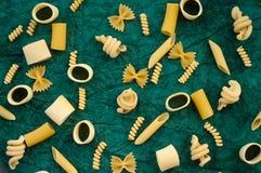 Formas italianas de las pastas Fotos de archivo