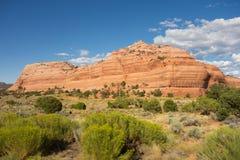 Formas mergulhadas incomuns da rocha no deserto Fotografia de Stock Royalty Free