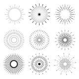 Formas retras de la explosión de Sun Logotipo del starburst del vintage, etiquetas, insignias Foto de archivo