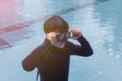 Formation de libre de plongée sur la piscine photos libres de droits