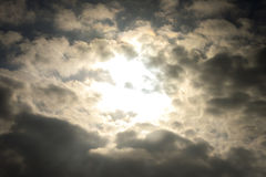 Formation de nuage pendant le coucher du soleil Photo libre de droits