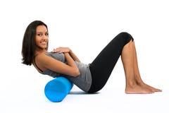 Formation de pratique de muscle de fasce de jeune femme photographie stock