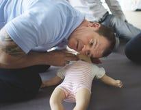 Formation de premiers secours de CPR de bébé photo libre de droits