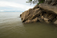 Formation de roche à la bouche de la gorge de Sanyati, le Lac Kariba images libres de droits
