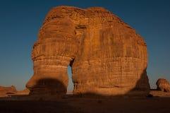 Formation de roche d'Eleplant dans les déserts de l'Arabie Saoudite image stock