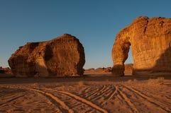Formation de roche d'Eleplant dans les déserts de l'Arabie Saoudite images libres de droits