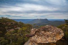 Formation de roche en montagnes bleues d'Australie photos libres de droits