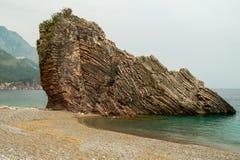 Formation de roche, Rafailovici, Budva la Riviera Photographie stock libre de droits