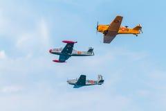 Formation de trois aéronefs du FIO Image stock