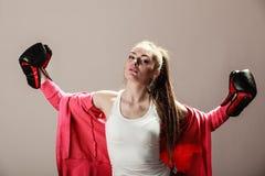 Formation féministe de femme, boxe Photos libres de droits