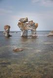 Formation géologique de rauk de Digerhuvud Photographie stock