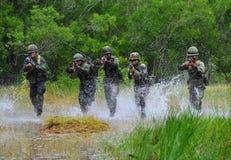 Formation pratique d'armée thaïlandaise Images stock