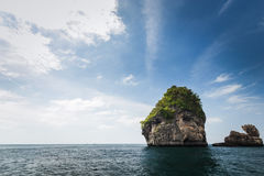 Formation rocheuse sur Phuket Images stock