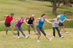 Formation sportive heureuse de groupe Photo libre de droits