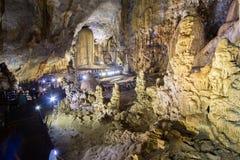 Formations accentuées de chaux caverne dans de paradis de caverne ou de Thien doung Phong Nha KE frappent la région du Vietnam Photo libre de droits